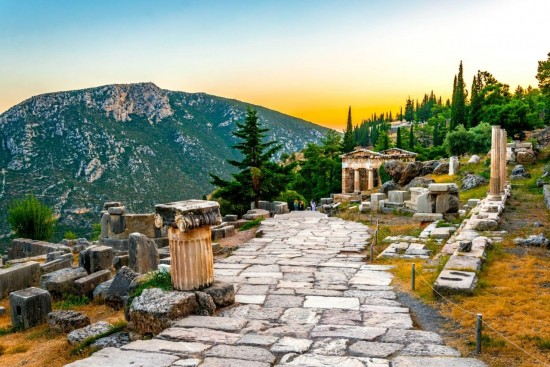 private transfer from athens airport to delphi, low price transfers by luxury vehicles, taxi,minivan, van, coach
